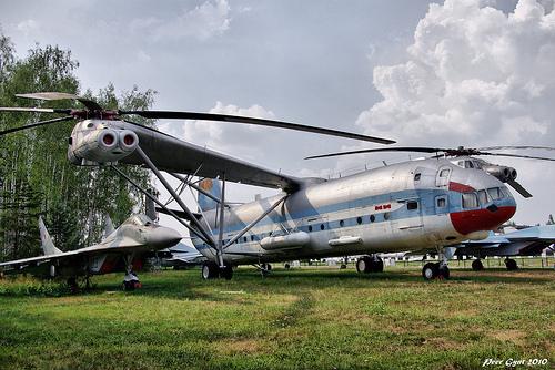 Heavy Helicopter Mil V-12 and Fighter MiG-29. Тяжёлый вертолет Миля В-12 и истребитель Миг-29.